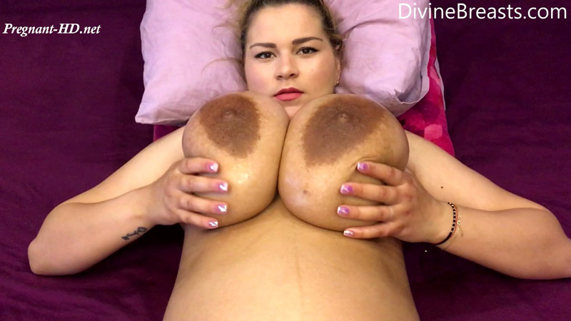 Erin Star Post Pregnancy On Back Jiggle Show - Divine Breasts