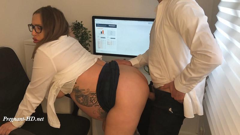 Pregnant And Fucking My Boss – PennyLondon