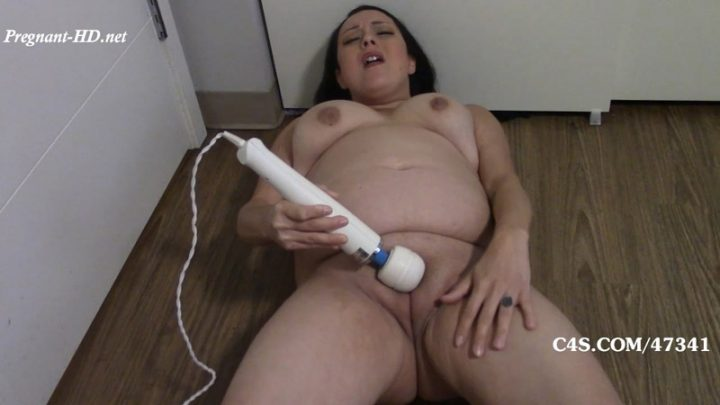 Super Pregnant and Super Horny! – Mistress Bianca's Fetish Addicts