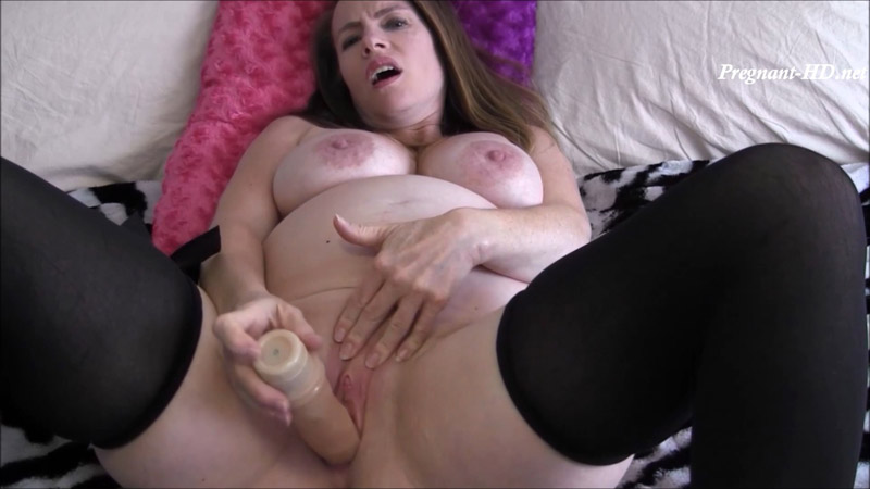 9 Month Pregnant Extreme Close Up Masturbation – NikkiNevada