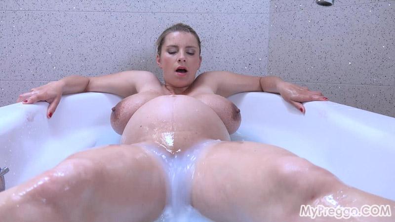 Busty Katerina Rubs Her Clit in the Bathtub! – MyPreggo – Katerina