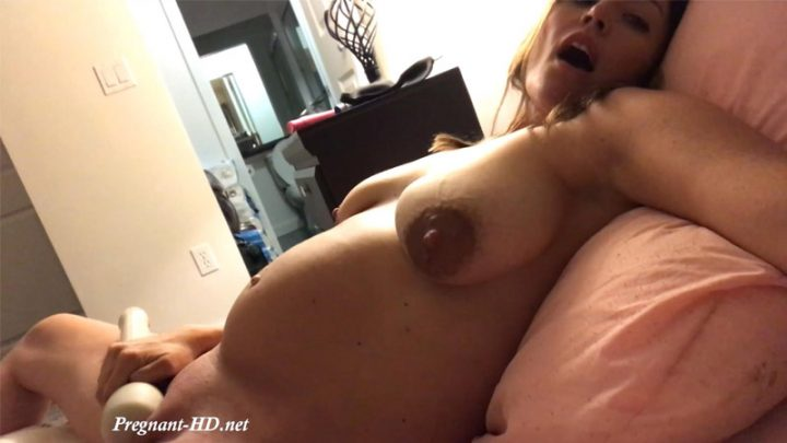 Cumming Through The Contractions – Winnie Cooper