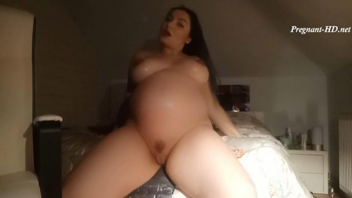 First vid 26 weeks pregnant belly lotion – Ada Love
