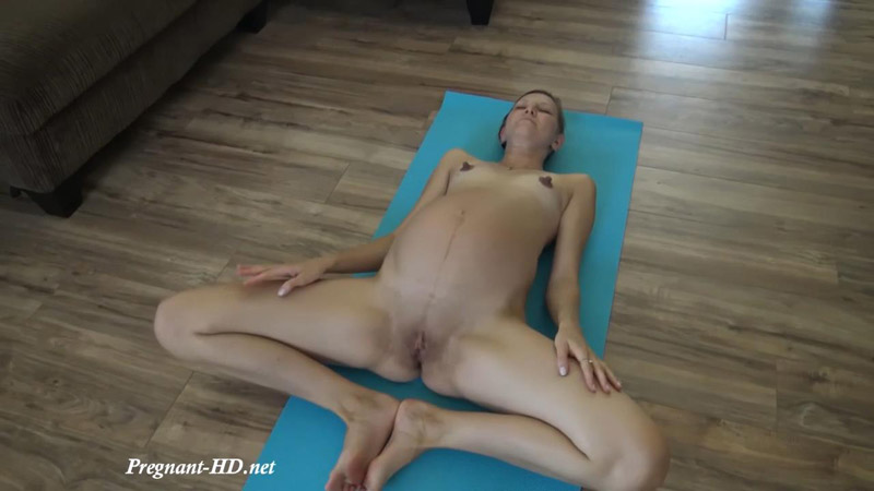 9 Month Pregnant Girl Performs Naked Yoga Class in her House Huge Belly – Vera Milk