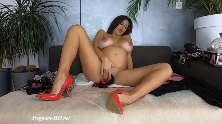 Pregnant MILF Panties Fetish – Una Alexandar