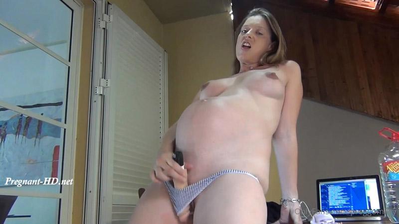 Fan Video 4 – 9 Months Pregnant – Dildoplay – Preggomilky2