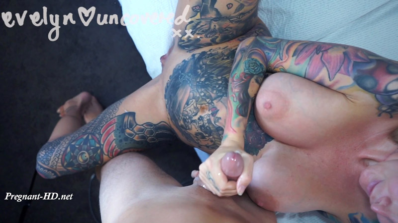 Fan Video 8 – Pregnant And Horny – Evelyn Uncovered