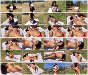 Sunbathing Topless at 35 Weeks Pregnant… With Lactation! – MyPreggo – Maria Conejos_thumb