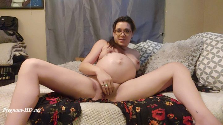 """Pregnant custom """"you missed out"""" – Genisis"""