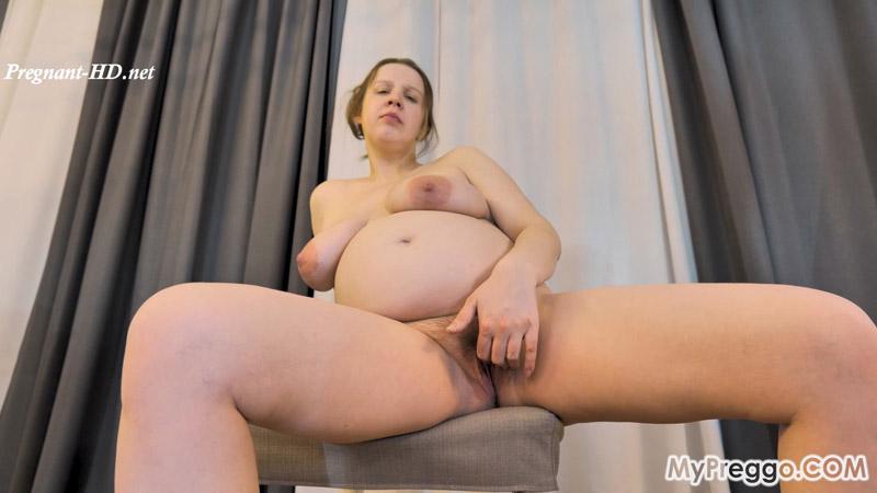 Pregnant and Naked with a Huge Dildo! – MyPreggo – Lina